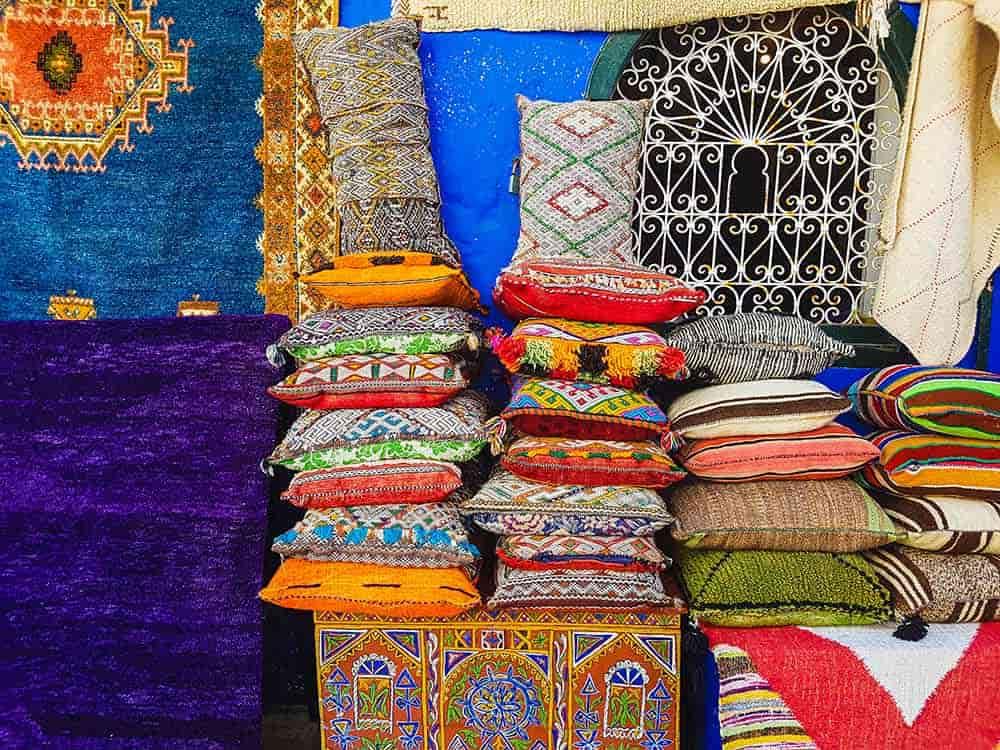 Compras de artesanías en Asilah